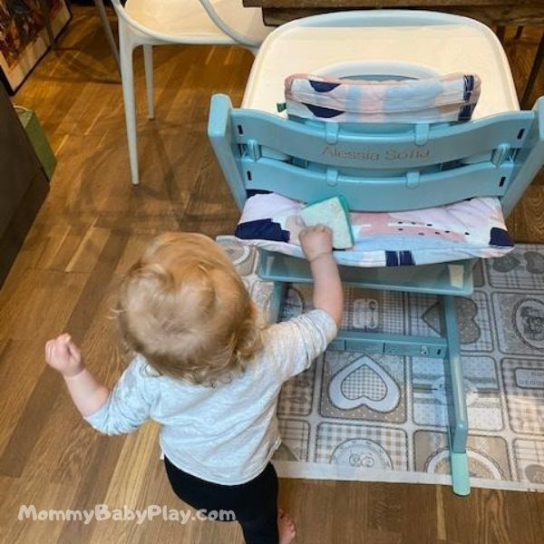 copy & repeat cleaning high chair